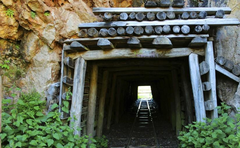 Большое спасибо всем, кто был с нами на сегодняшнем вебинаре «Инженерное сопровождение геологических работ предприятий с подземным способом добычи полезных ископаемых».