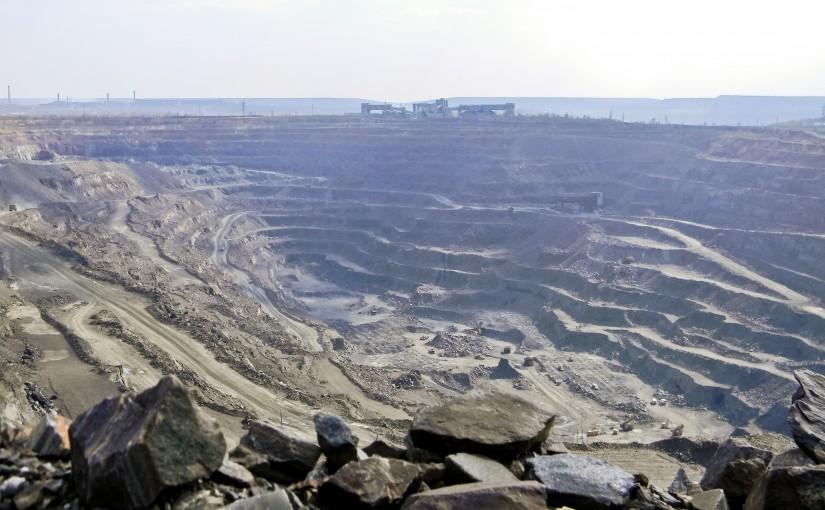 Оценка и контроль устойчивости горного массива в K-MINE